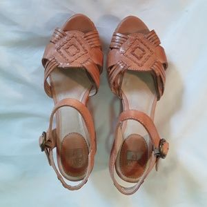 Carlie Huarache Ankle By Frye
